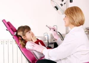 little girl scared of dentist